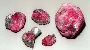 Ecco perché il Rubino è un ottima pietra per proteggerti dall'invidia